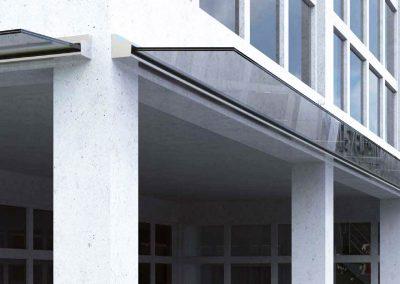 Pensiline in vetro con o senza tiranti in acciaio. Sistemi di illuminazione integrati. Realizzate artigianalmente e su misura.