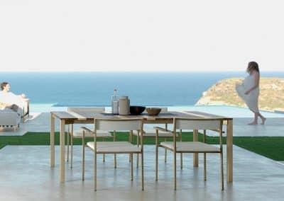 Tavoli e Sedie per la zona pranzo o relax, realizzati con i migliori materiali in commercio per garantirne durabilità e resistenza agli agenti atmosferici.
