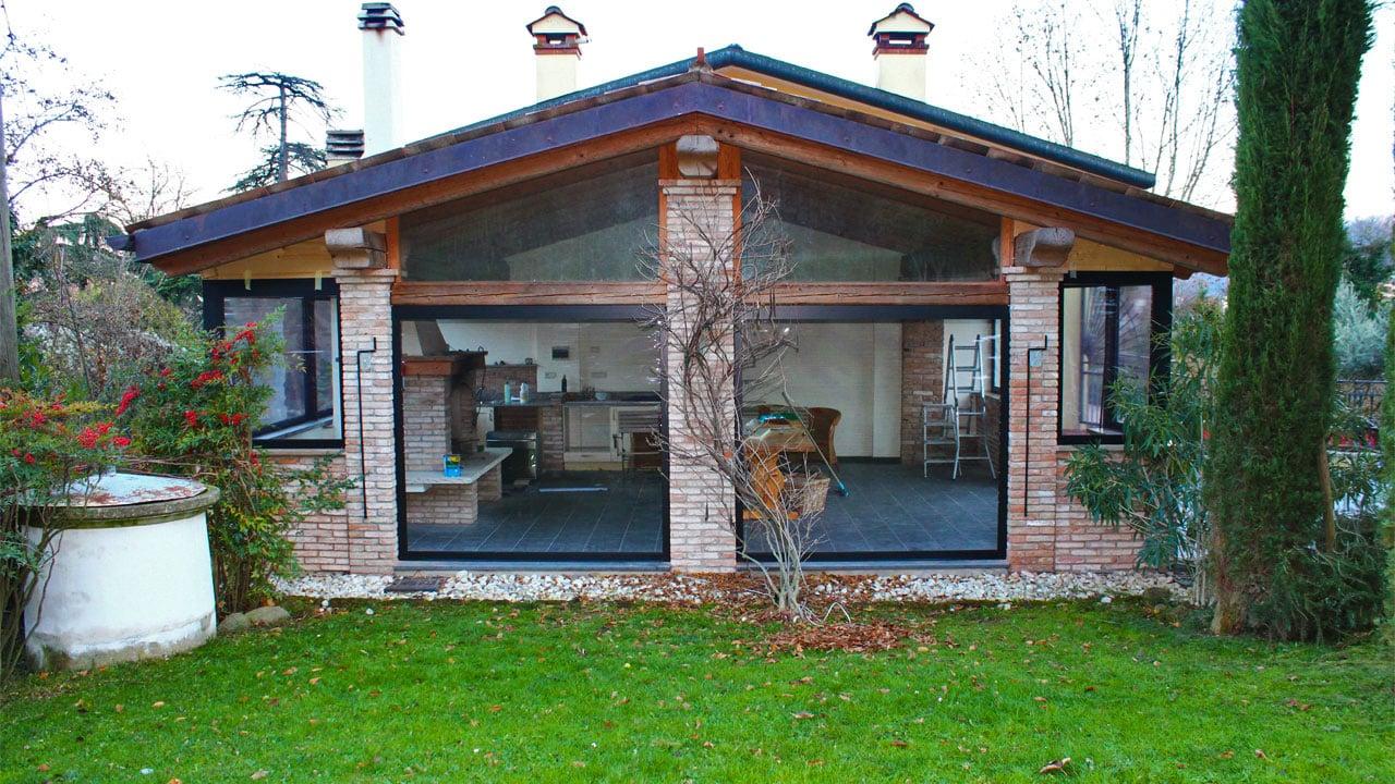Tende Veranda Trasparenti : Chiusura veranda in muratura teolo valori outdoor design