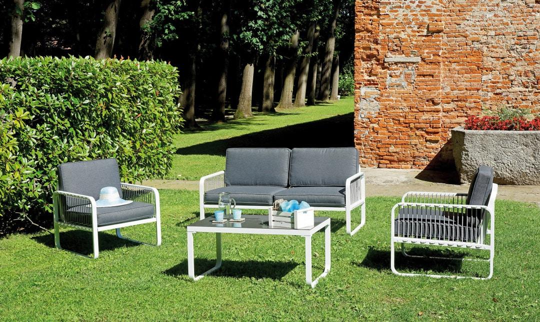 Arredamento da giardino salotti da esterno tavoli e sedie for Arredamento da giardino