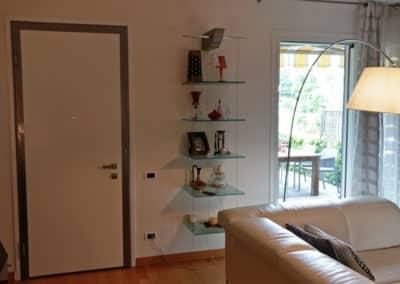Sostituzione completa dei serramenti interni ed esterni di un'abitazione. Serramenti in Legno ed Alluminio.