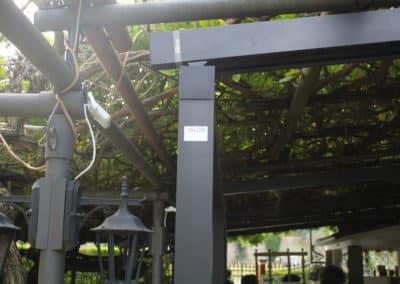 """Installazione di una pergola Bioclimatica Gibus con illuminazione a LED nel Ristorante """"Taparo"""" di Torreglia."""